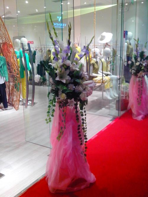 石夏兰仿真花艺花篮鲜花图片展示。