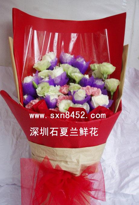 石夏兰16朵白色玫瑰鲜花图片展示。
