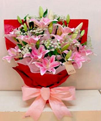 石夏兰美玉,6枝粉色百合,蕾丝,单面花束鲜花图片展示。
