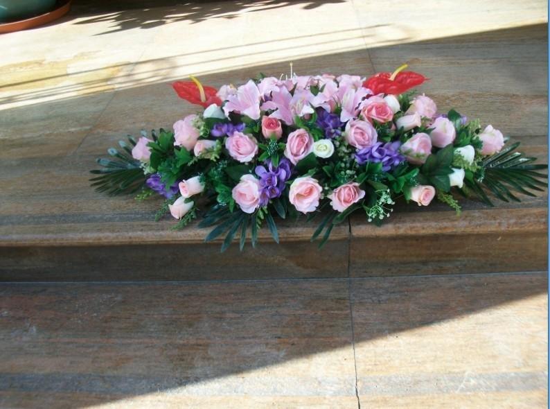 石夏兰仿真会议桌花鲜花图片展示。
