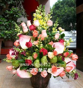 石夏兰手提花篮,高级花篮,东门老街,过节送花篮鲜花图片展示