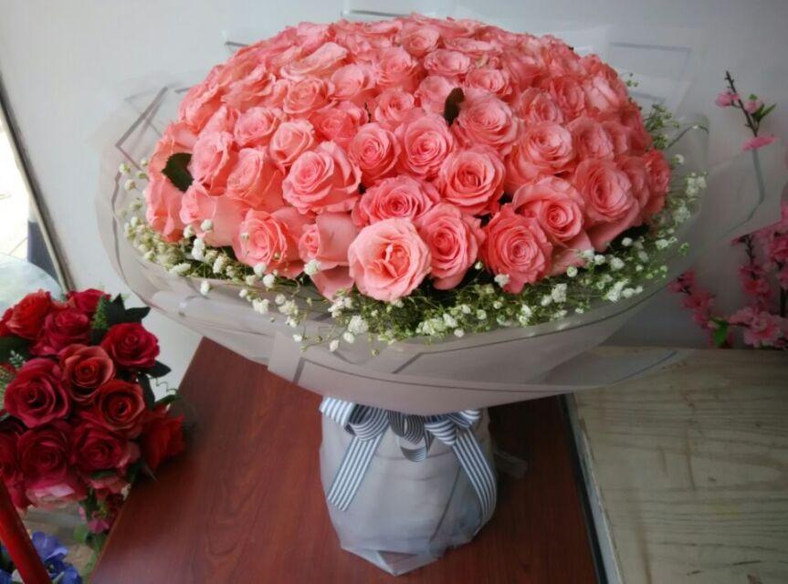 石夏兰99朵粉玫瑰花,圆形花束,深圳罗湖,促销礼品鲜花,热卖鲜花,速递,宝安鲜花鲜花图片展示