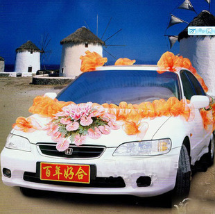 石夏兰婚礼迎新花车鲜花图片展示。