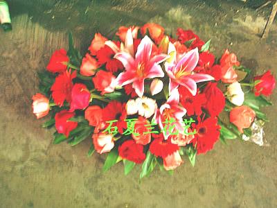 石夏兰会议桌花,台面花,台面花售价,218元,公司会议室鲜花,各式各样桌花,办公台鲜花,CBD鲜花专供鲜花图片展示。
