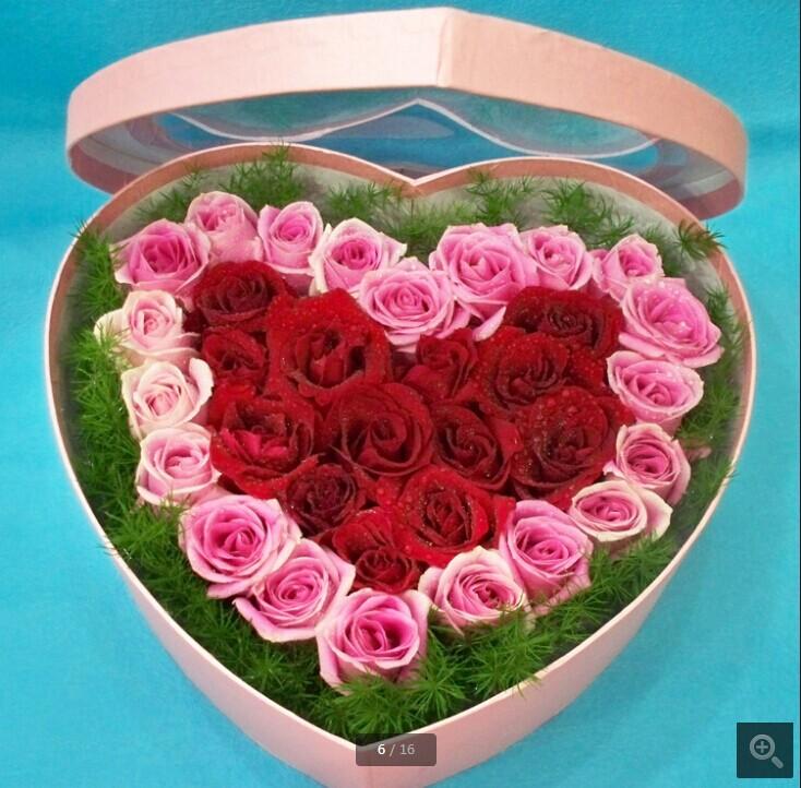 石夏兰33朵玫瑰花,礼盒艺术花,情人节鲜花,爱深情浓,33朵玫瑰花礼盒,艺术花包装,¥548,会员价,¥495,深圳福田区华强北花店鲜花图片展示。