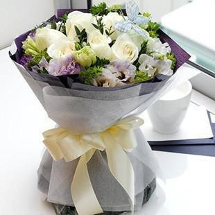 石夏兰鲜花,生日送鲜花,白色玫瑰花,龙华,南山,福田,罗湖花店,情人玫瑰,深圳花店,11朵白玫瑰鲜花图片展示。