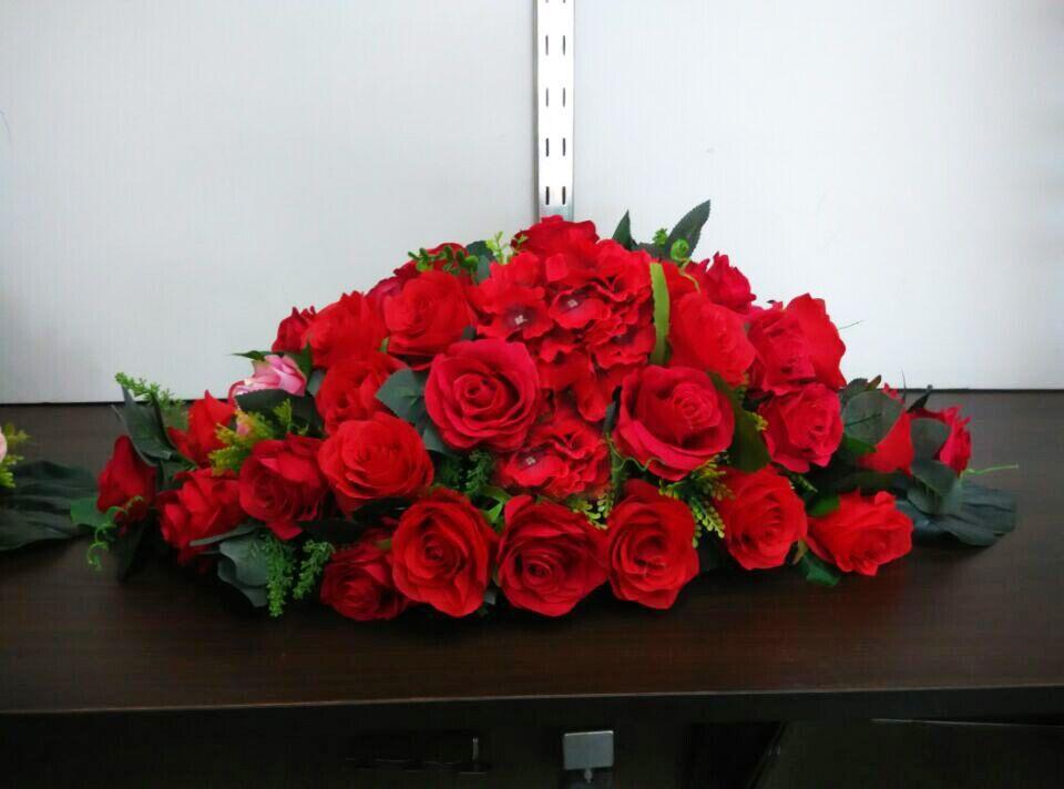 石夏兰会议桌仿真花,宴会,演讲台,仿真,台面花,前台仿真花,268元,花材,仿真红玫瑰花,小碎花,等,包装,台面花鲜花图片展示