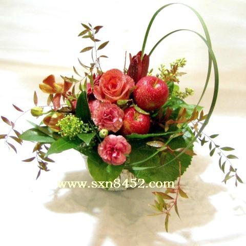 石夏兰【平安是福】社交花篮鲜花图片展示。