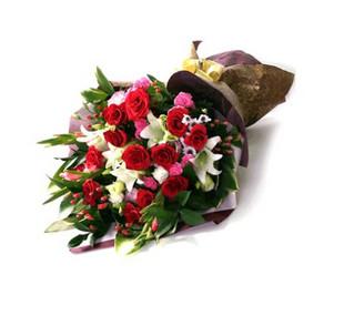 石夏兰11朵A级红玫鲜花图片展示。