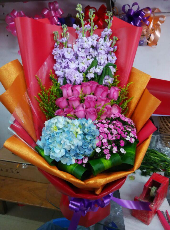 石夏兰紫玫瑰绣球花哄女朋友追女孩子鲜花图片展示。