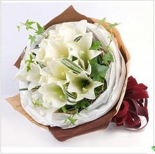 石夏兰精品鲜花,深圳罗湖,商业文化中心,科技园鲜花,送家人,生日,白百合花束,福田鲜花图片展示。