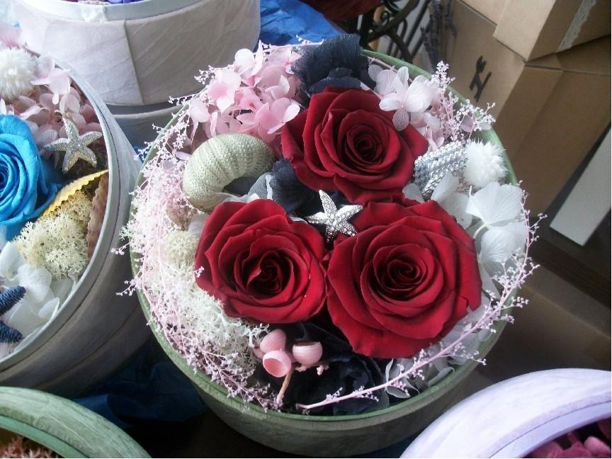 石夏兰进口永生花花盒礼盒鲜花图片展示。
