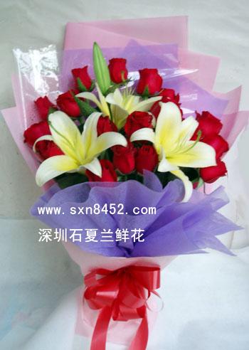 石夏兰19朵红玫瑰花生日鲜花图片展示。