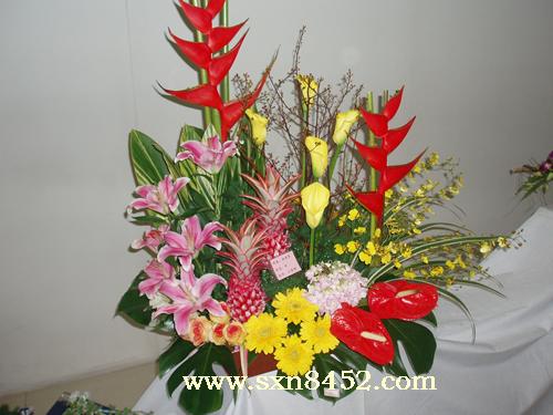 石夏兰品位,庆典花篮,驰骋风云,礼品花篮鲜花图片展示。