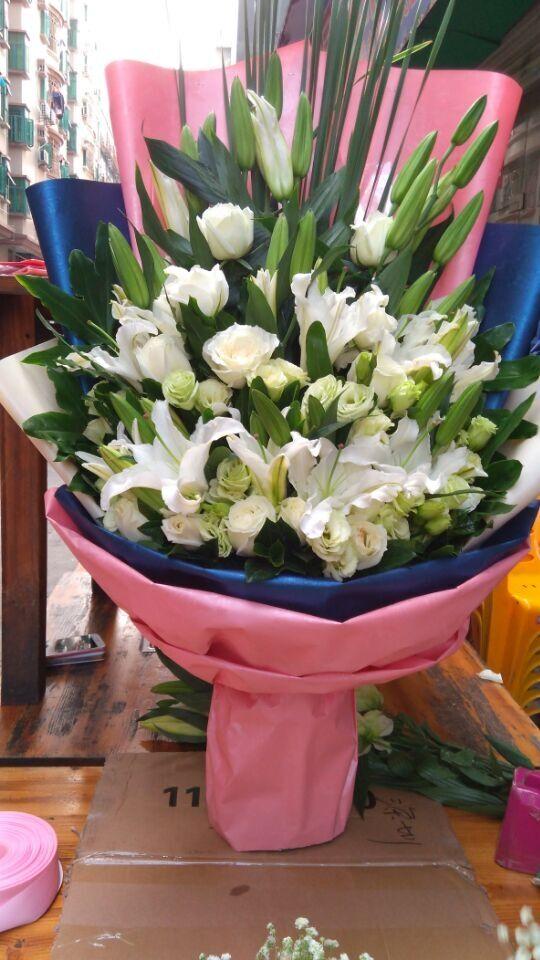 石夏兰玫瑰百合花束,结婚礼花,生日鲜花,花材,百合,10枝、桔梗、玫瑰等包装扇形花束鲜花图片展示