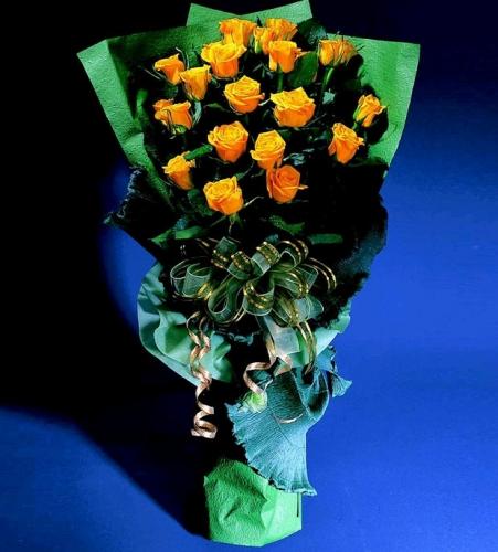 石夏兰18朵橙色玫瑰,女朋友生日鲜花,罗马假日,公主,玫瑰,上步,生日鲜花,沙湾鲜花图片展示。
