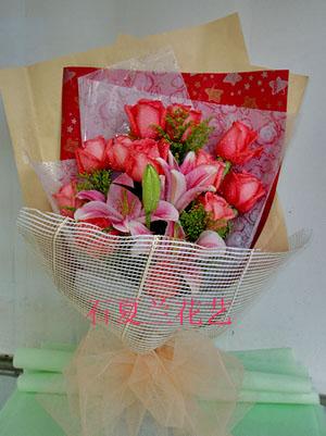 石夏兰【爱情似火,纯洁如雪】11朵大红玫瑰花鲜花图片展示。