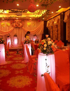 石夏兰结婚路引鲜花图片展示。