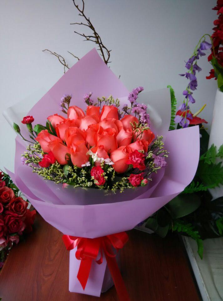 石夏兰16朵艳粉玫瑰,16岁的梦想,花材,16朵艳粉色玫瑰,情人草,包装,单面花束,16岁生日鲜花鲜花图片展示