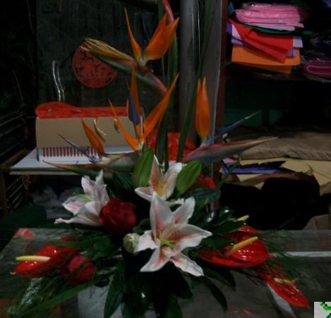 石夏兰预订精美花篮,庆典开业花,乔迁花篮,商务摆花,深圳市送礼鲜花,开张花篮鲜花图片展示。