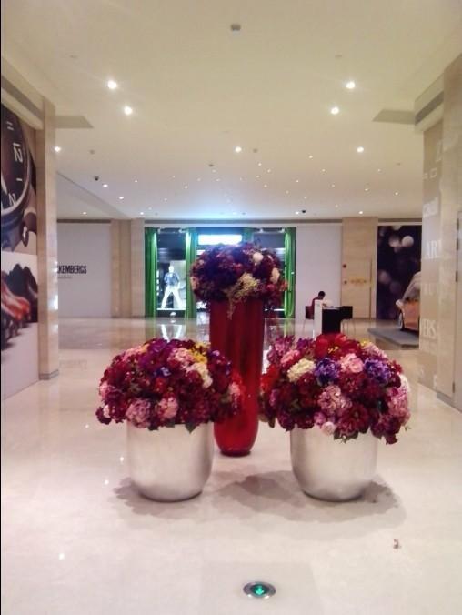 石夏兰商业中心仿真花鲜花图片展示。