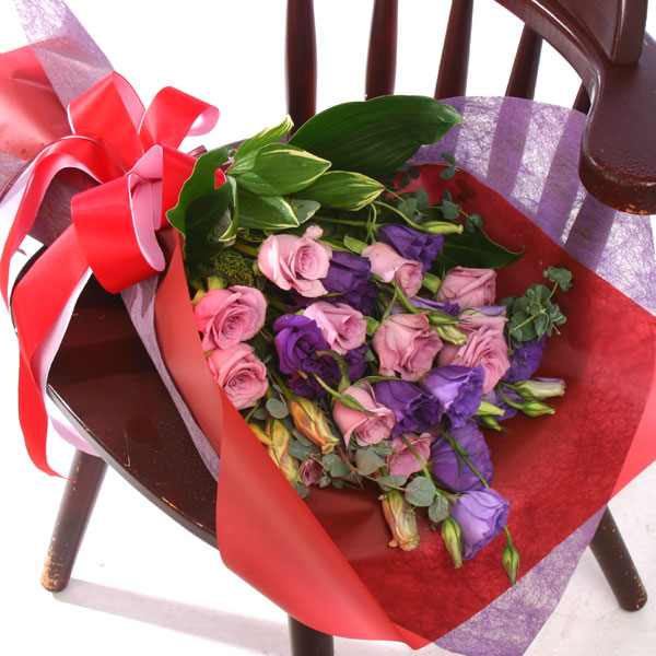 石夏兰【放不下】*10朵玫瑰鲜花图片展示。