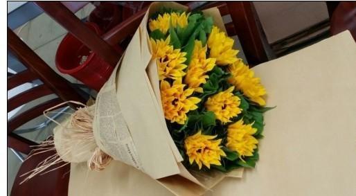 石夏兰我爱你新品向日葵花束爱情表白鲜花图片展示。