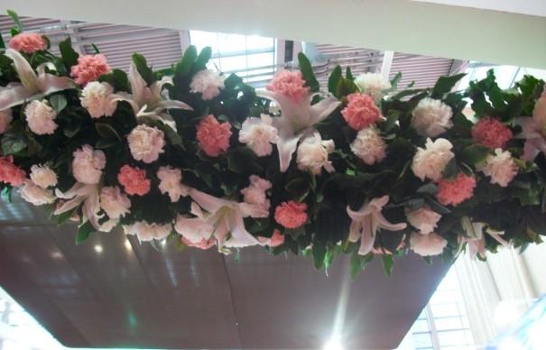 石夏兰白康乃馨,粉色,婚礼花,深圳结婚网,婚宴,福田鲜花速递,粉色,光明,康乃馨,鲜花布置鲜花图片展示。