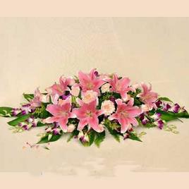 石夏兰签字仪式鲜花,定年会桌面鲜花,深圳科技园附近花店,台面花鲜花图片展示。