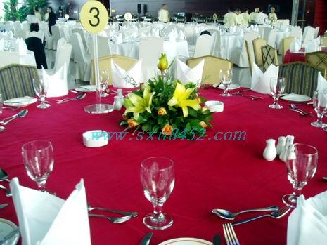 石夏兰酒楼桌花,宴会厅,百合餐台花,酒楼,餐桌花,圆桌,中心鲜花,包房,饭桌花鲜花图片展示