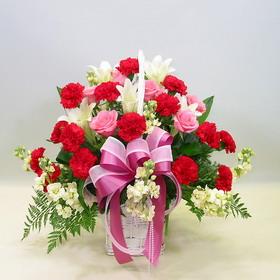 石夏兰【温馨依恋】红康花小花篮鲜花图片展示。