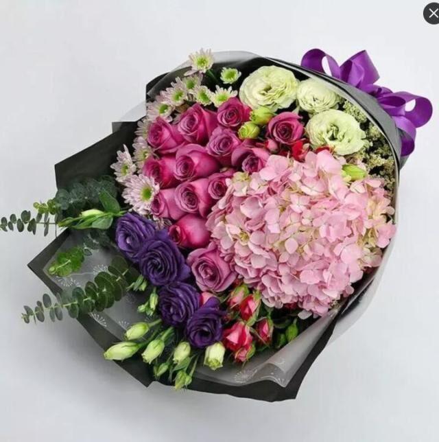石夏兰绣球,玫瑰花束,鲜花速递,深圳花店,送花,南山生日礼物,订花,探望鲜花,预定鲜花图片展示