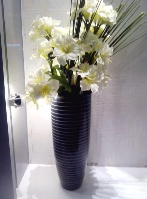 石夏兰摆放仿真花仿真鲜花图片展示。