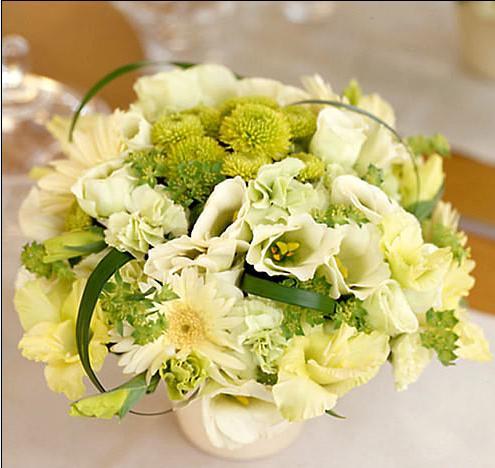 石夏兰酒店客房迎宾鲜花鲜花图片展示。
