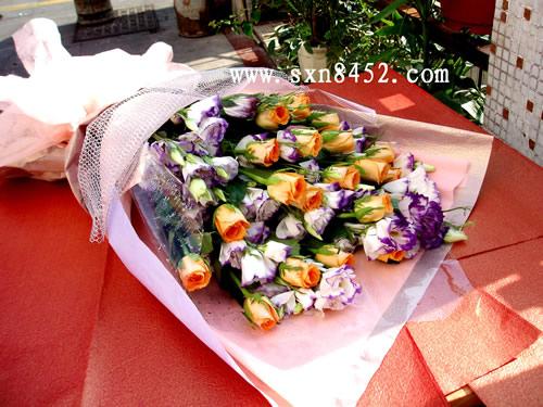 石夏兰18朵,假日公主玫瑰,湖贝鲜花店,免路费,初恋的心情,爱情鲜花鲜花图片展示。