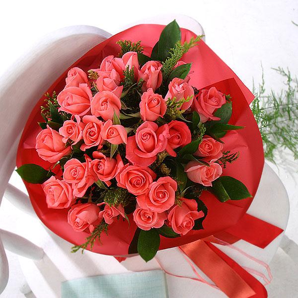 石夏兰27朵召唤玫瑰鲜花图片展示。