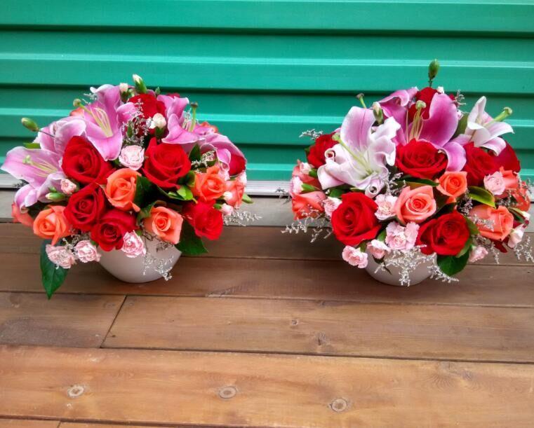 石夏兰圆形台面花,会议桌鲜花,前台鲜花,接待用花,茶几鲜花,玫瑰,百合,签到台花鲜花图片展示。