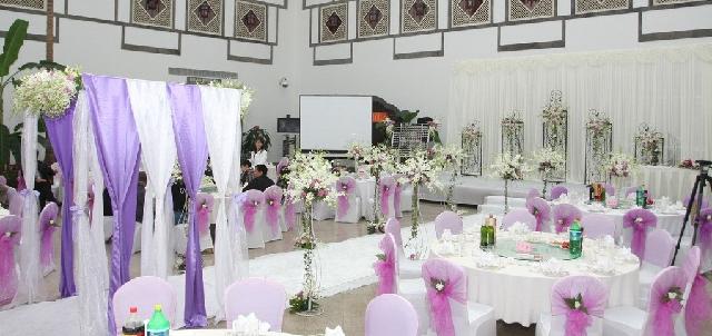 石夏兰婚礼背景,五连门,婚礼鲜花,纱幔,结婚,婚宴鲜花,深圳,大中华附近花店,送花鲜花图片展示。