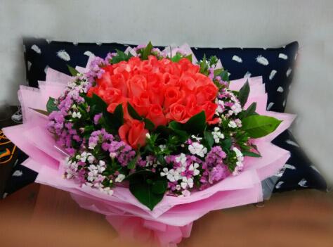 石夏兰女友,玫瑰花,深圳鲜花店,生日花束,南头,前海滨送花,泥岗花店,爱情玫瑰花,33朵粉玫瑰鲜花图片展示。
