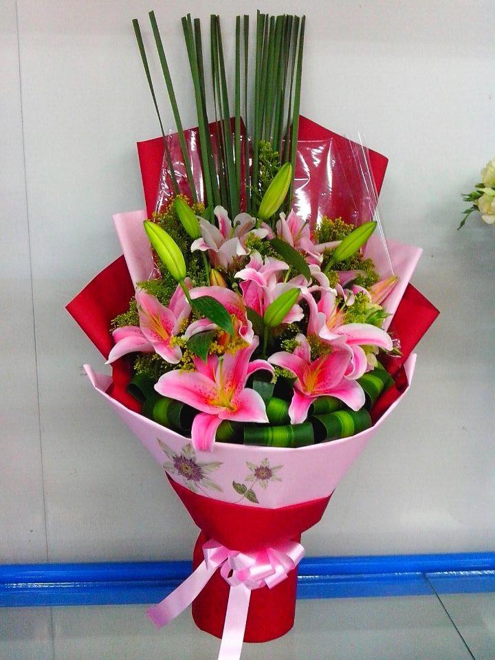石夏兰生小孩祝贺鲜花图片展示。