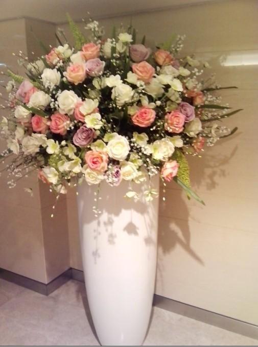 石夏兰深圳酒店商场摆仿真花鲜花图片展示。