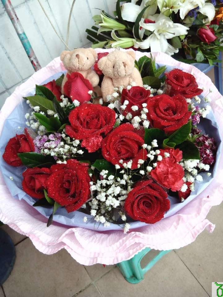 石夏兰生日鲜花束,深圳鲜花实体花店,特价鲜花,11朵红玫瑰,大浪花,玫瑰花,定花鲜花图片展示。