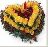 石夏兰生日蜡烛玫瑰花鲜花图片展示。