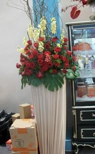 石夏兰地产售楼高仿真鲜花图片展示。
