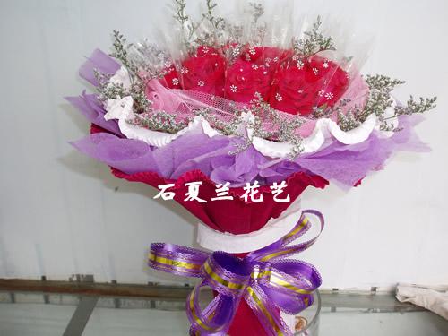 石夏兰七夕11枝红玫瑰鲜花图片展示。