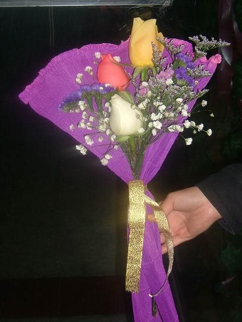 石夏兰3枝玫瑰,我爱你,玫瑰,爱华花店,女朋友鲜花鲜花图片展示。