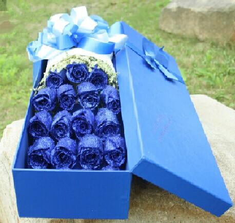 石夏兰19朵蓝玫瑰,礼盒玫瑰,蓝色妖姬,蓝色玫瑰鲜花图片展示。