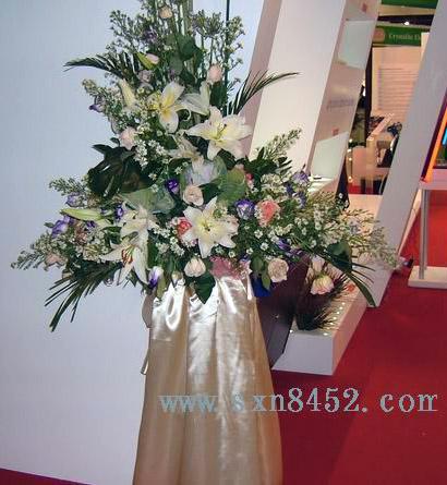 石夏兰港式开张花篮,乔迁花篮,庆典花篮鲜花图片展示。