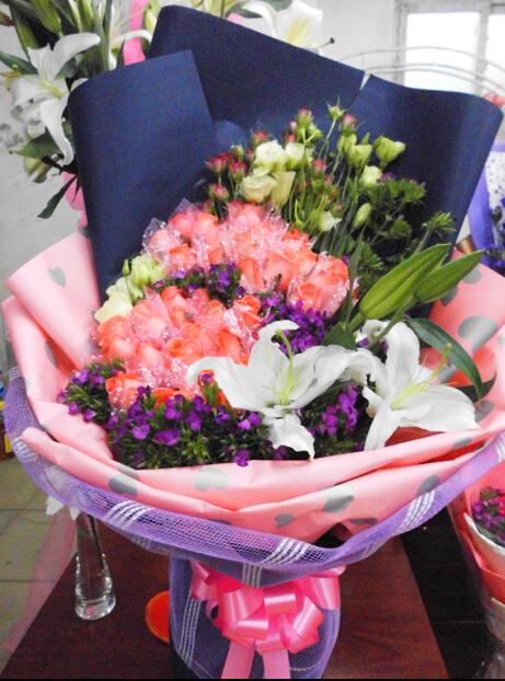 39朵粉玫瑰花束,点击看大图